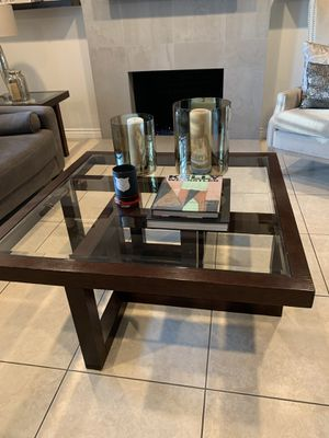 Living room center coffee table for Sale in Garden Grove, CA