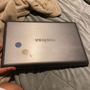 Broken Toshiba Laptop for Sale in DeSoto, TX