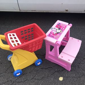 Little Times Shopping Cart & Disney Minnie Mouse Desk for Sale in Philadelphia, PA