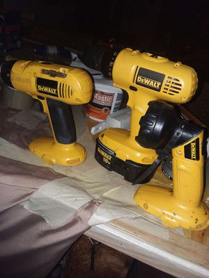 Dewalt drill and saw set for Sale in Lake Ariel, PA