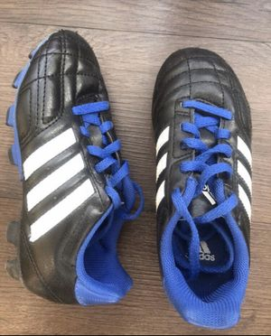 Kids soccer shoes Adidas, 13us Excellent condition for Sale in Englewood, CO