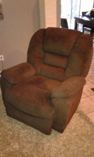 Brown rocker chair for Sale in Tempe, AZ
