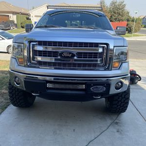 2013 Ford F150 Headlights for Sale in Madera, CA