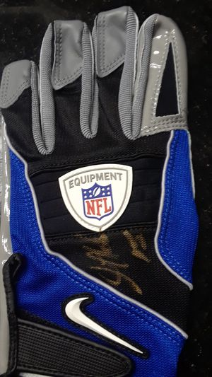 GOLDEN TATE AUTOGRAPHED OFFICIAL NFL GLOVE for Sale in Clovis, CA