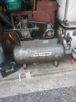 Daytona speedaire air compressor 3 hp for Sale in Miramar, FL