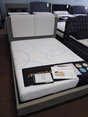 Queen size platform bed frame with 8 inch Charcoal Gel infused Memory Foam Mattress with Cooling Technology for Sale in Glendale, AZ