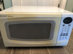 Sharp Microwave 1100 watts 1.0 cu ft for Sale in Boston, MA