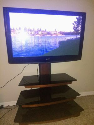 TV and Stand for Sale in Coconut Creek, FL