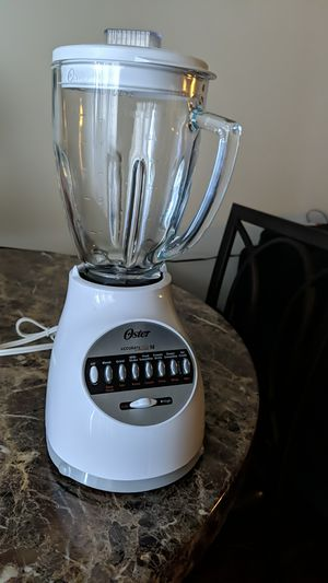 Oster Blender, glass pitcher. for Sale in Lacey, WA