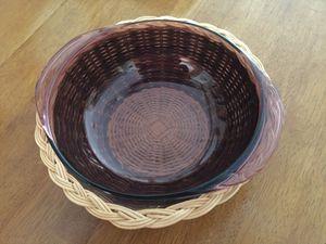 Pyrex bowl w/basket for Sale in Largo, FL