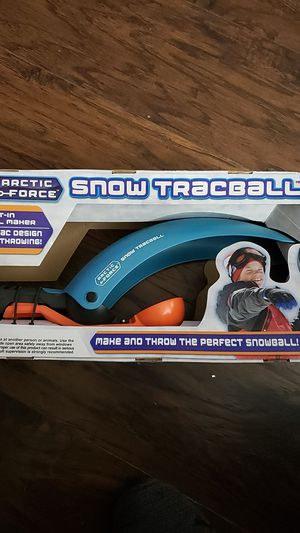 SNOW THROWING TOY for Sale in Newark, TX