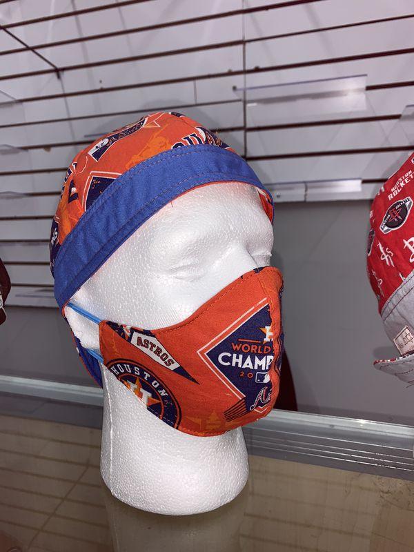 Custom mask & cap set.