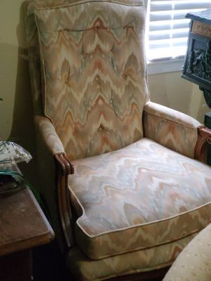 Antique Chair for Sale in Smoke Rise, GA