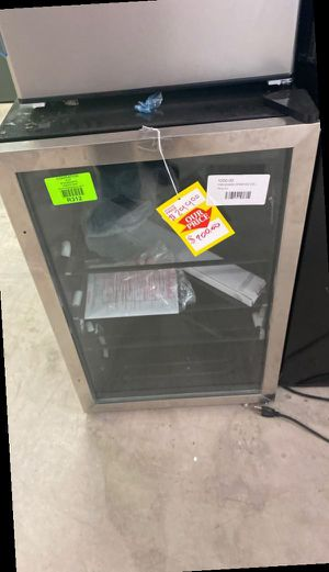 Frigidaire EFMIS155 mini fridge 🤩🤩🤩 VJ6 for Sale in Dallas, TX