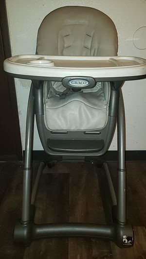 GRACO 6 IN 1 HIGH CHAIR / BOOSTER SEAT for Sale in Las Vegas, NV