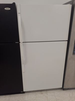 Kenmore top freezer refrigerator used in good condition with 90 day's warranty for Sale in Mount Rainier, MD