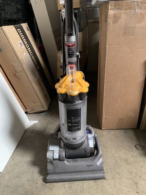 Stain DC33 Upright Vacuum Cleaner for Sale in Norwalk, CA