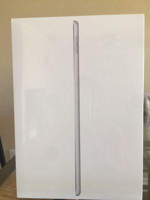 Apple IPad (10.2 inch , 32GB ) Silver Latest Model for Sale in Rancho Cordova, CA