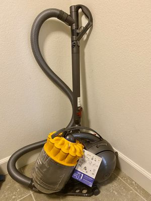 Dyson ball multi floor Vaccum for Sale in Tracy, CA