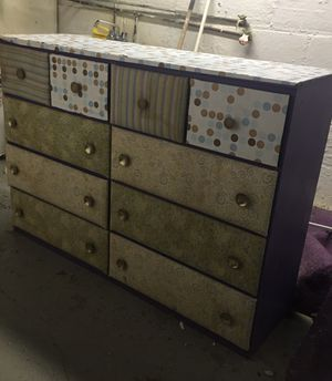 Dresser for Sale in Cleveland, OH