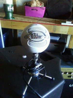 Blue microphone snow ball for Sale in Knoxville, TN