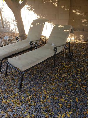 Martha Stewart pool lounge chairs w end table for Sale in Phoenix, AZ
