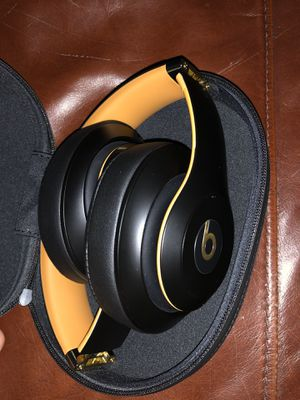 Beats Studio3 Wireless Over-Ear Headphones for Sale in El Cajon, CA