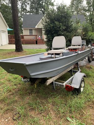 Fishing boat and trailer for Sale in Fort Lee, VA