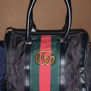 Gucci Bag On Hand for Sale in Philadelphia, PA