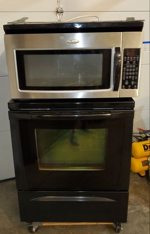 Whirlpool gold stove and microwave for Sale in Shawnee, KS