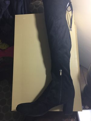 Boots above knee for Sale in Taylor, MI