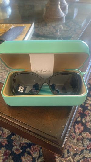 Tiffany & Co sunglasses for Sale in Long Beach, CA