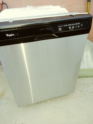 Whirlpool dishwasher about 4 years old for Sale in Anaheim, CA