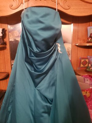 Dress for Sale in MIDDLEBRG HTS, OH