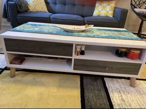 2 tone distressed grey white coffee table for Sale in Thousand Oaks, CA