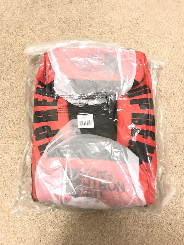 Supreme x The North Face Arc Logo Duffle Bag (Red)