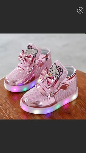 New pink glitter hello kitty light up Sneakers for Sale in Cordova, TN