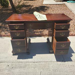 Dresser desk FREE for Sale in North Las Vegas, NV