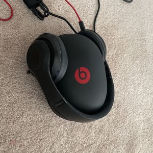 Beats Earbuds By Dre for Sale in Quincy, MA
