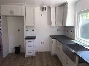 Kitchen Solid Wood Cabinet Quartz Counter tops Warehouse for Sale in Rosemead, CA