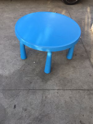 Kids Table for Sale in Los Angeles, CA