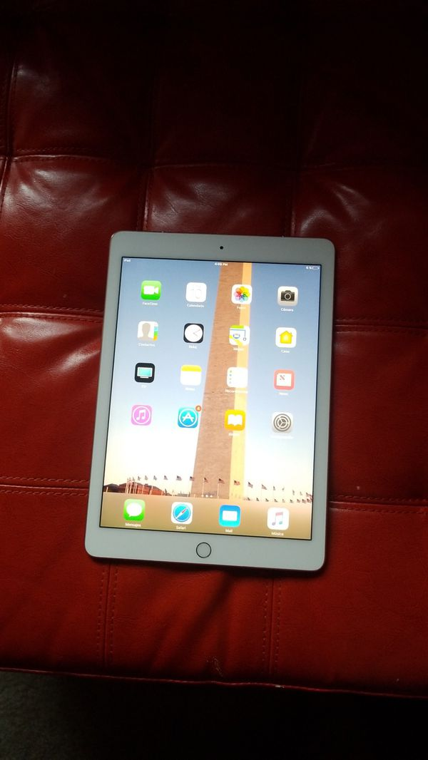 iPad pro 2016 front color white and back gold color 32 gb