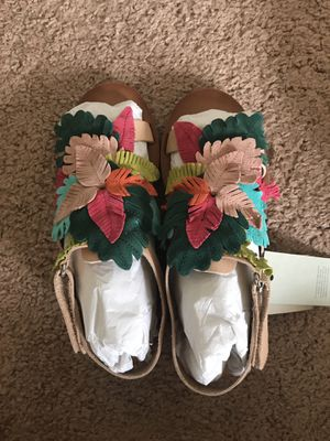 New zara girl sandals for Sale in Rolla, MO