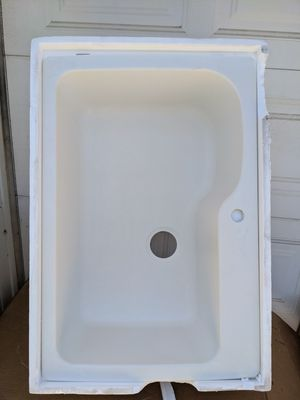 Dual Mount 33Lx22Wx10.5D Single Bowl White for Sale in Rialto, CA