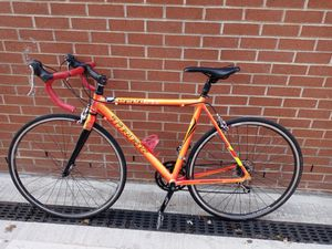 Bicicleta marca trek 1000 sl gomas 700 * 32 everything working good for Sale in Brooklyn, NY