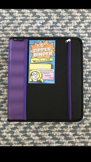 "1.5"" Zipper binder in red, blue or purple - NEW for Sale in Appleton, WI"