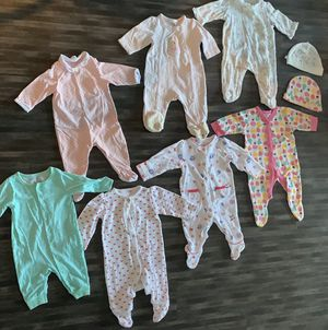 Baby girl bundle 0-3 months for Sale in Detroit, MI