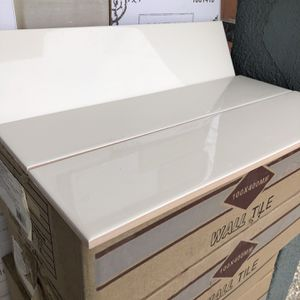 Glossy Ceramic Tiles Sudway Size 4x16 Box Come With 25 Items Cover 12 Fts Price Por Foot $2 A for Sale in Victorville, CA