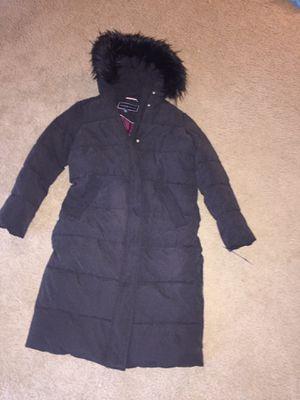 Tommy Hilfiger faux fur trimmed puffer jacket for Sale in Washington, DC