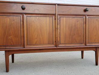 Drexel Mid Century Mid-Century Vintage SOLID Wood Console Buffet Sideboard Entryway Media Entertainment TV Cabinet Organizer Dresser Drawer + Shelves for Sale in Monterey Park,  CA